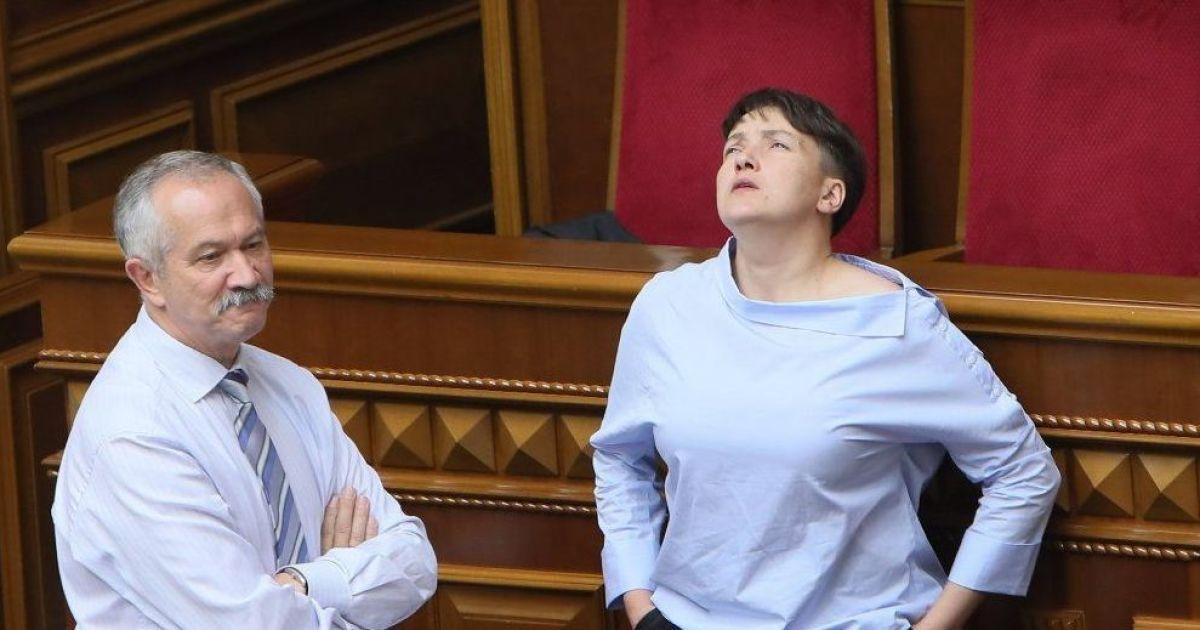 Надія Савченко у сесійній залі парламенту