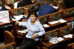 Луценко пригрозив Савченко зняттям недоторканності, якщо вона не прийде на допит СБУ