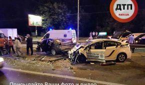 Серйозна ДТП у Києві: під час гонитви розбився поліцейський автомобіль, є постраждалий – соцмережі