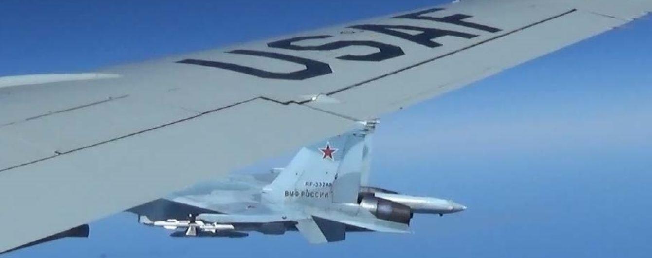 """В Минобороны РФ заявили Пентагону, что Крым является """"российским"""" и летать возле его границ не стоит"""