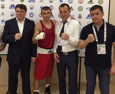 Четверо українських боксерів вийшли у фінал чемпіонату Європи