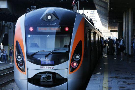 Словаччина збирається запустити поїзд до Ужгорода