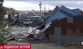 По США вдарив тропічний шторм зі швидкістю вітру 200 км/год