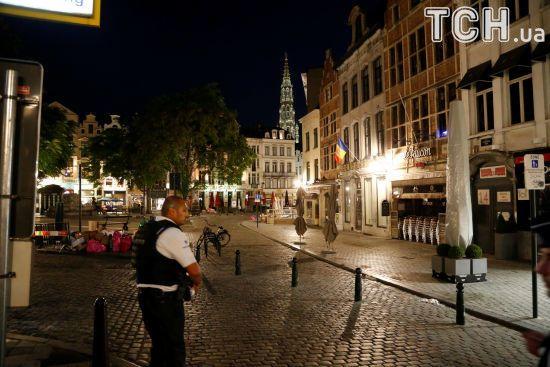 У Брюсселі невідомий на авто намагався наїхати на групу поліцейських