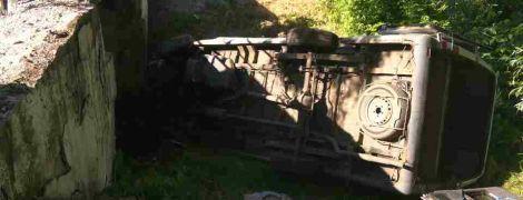 На Луганщине перевернулась маршрутка с пассажирами, есть пострадавшие