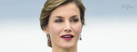 Королева Летиция продемонстрировала яркий деловой образ