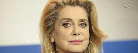 73-летняя Катрин Денев в объятиях молодого француза в рекламе Louis Vuitton