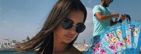Горячая штучка: Эмили Ратажковски поделилась новыми снимками с отдыха