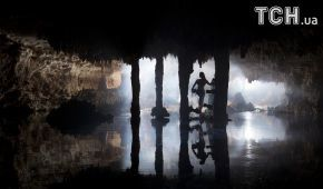 """""""Врата в царство мертвых"""": Reuters показал невероятный вейкбординг в подземных пещерах"""