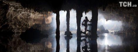"""""""Брама до царства мертвих"""": Reuters показав неймовірний вейкбордінг у підземних печерах"""