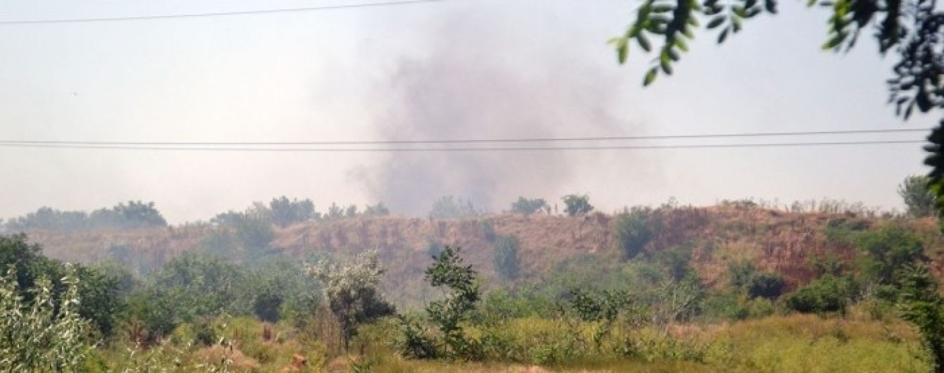 В Одессе горит свалка со строительным мусором