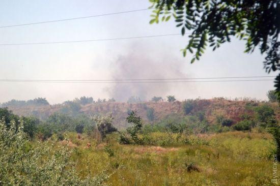 В Одесі горить звалище з будівельним сміттям