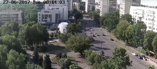 У Мережі з'явилося відео потужного вибуху авто в Києві