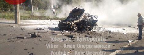 В Киеве мощный взрыв разнес Mercedes-Benz
