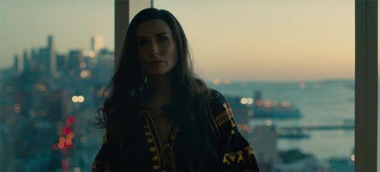 Демі Мур постала у фільмі вбраною в українську вишиванку
