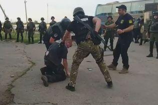 На Кіровоградщині стався масштабний конфлікт між АТОвцями та поліцією