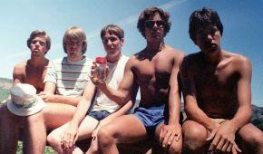 Пять друзей из США делают фото вместе каждые пять лет