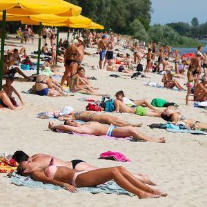 Вторник в Украине будет с жарой и сильными ливнями в отдельных регионах. Прогноз на 25 июля