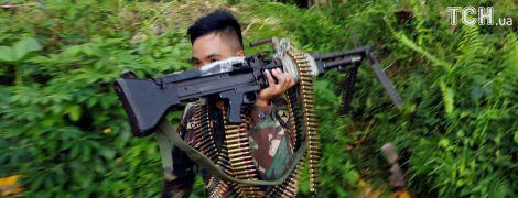 На Филиппинах военные нашли обезглавленные тела в оккупированном боевиками Марави