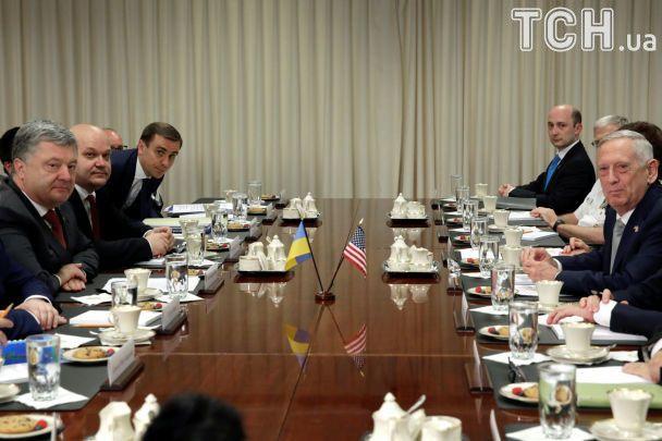 США продовжать підтримувати Україну: Порошенко зустрівся із очільником Пентагону