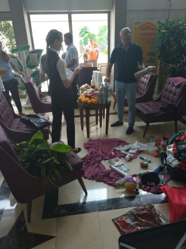 Русские в Турции: туристы вынесли из номера цветы с корнями, туалетную бумагу и пять литров алкоголя