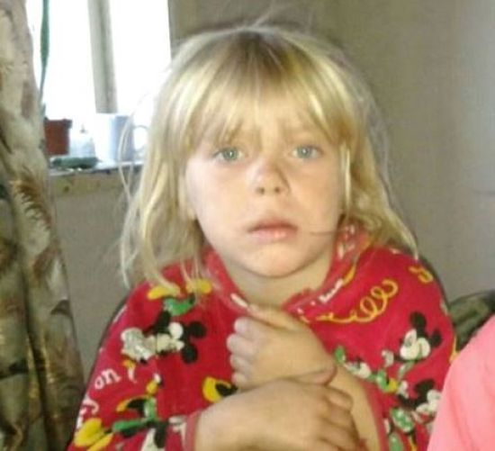 На Донеччині поховали закатовану 6-річну дівчинку і взяли під варту підозрюваного у вбивстві