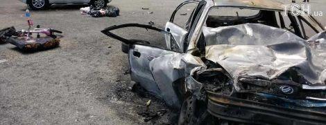 """Через ДТП траса на аеропорт """"Бориспіль"""" перетворилась на багатокілометровий затор"""