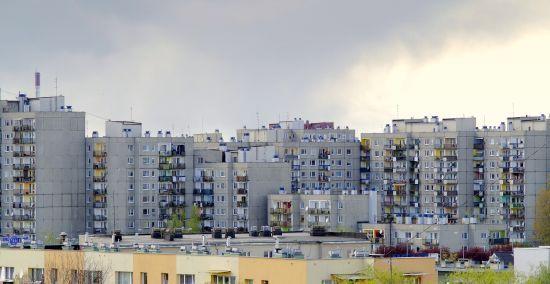 У поліції розповіли подробиці падіння 14-річної дівчини з вікна багатоповерхівки у Львові