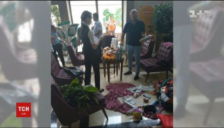 Російське подружжя намагалося вкрасти з турецького готелю 14 рулонів туалетного паперу