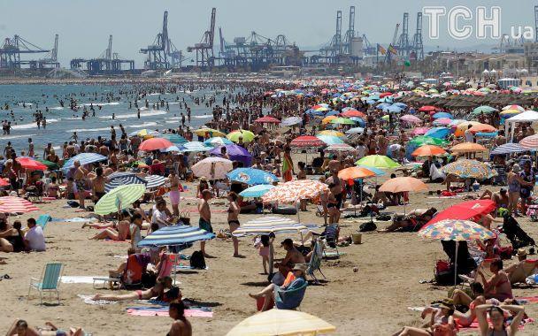 Испанию накрыла невероятная 39-градусная жара