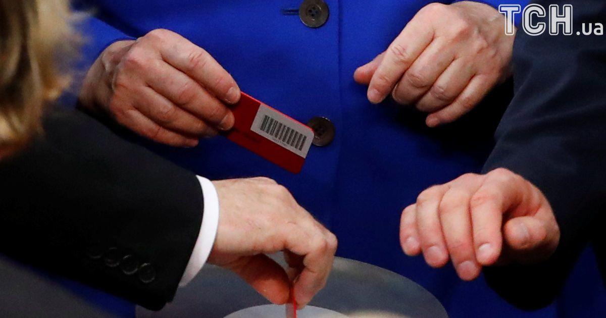 Канцлер Германии Ангела Меркель голосовала против такой легализации