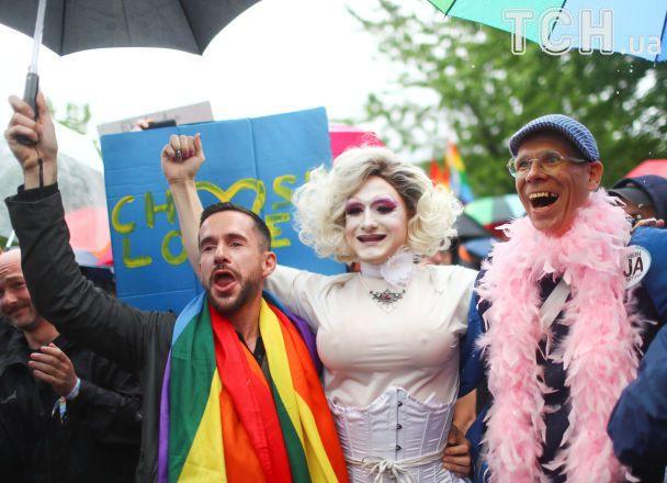 У Німеччині легалізували одностатеві шлюби
