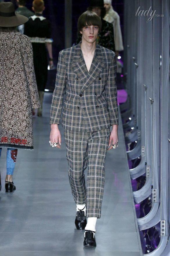 Коллекция Gucci прет-а-порте сезона осень-зима 2017-2018_36