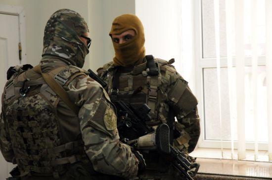 СБУ здійснює понад 25 обшуків у підозрюваних в проведенні антиукраїнських акцій