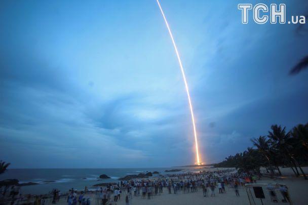 Запуск китайської ракети-носія «Великий похід-5» пройшов невдало
