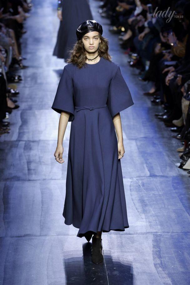 В темно-синих тонах: коллекция Christian Dior прет-а-порте сезона осень-зима 2017-2018