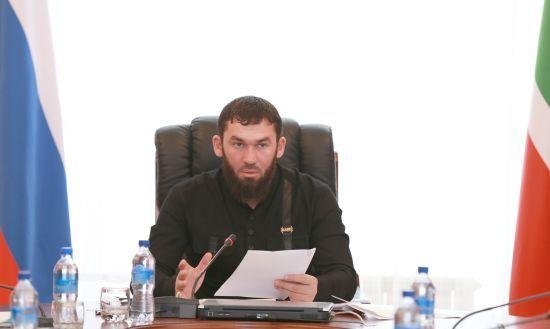 """Cпікер парламенту Чечні пригрозив керівнику """"Сбербанка"""" і вимагав $ 500 тисяч - ЗМІ"""