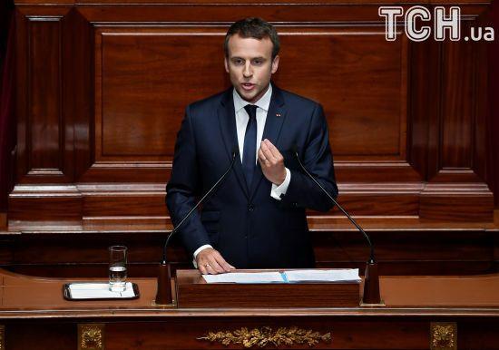 Макрон хоче зменшити кількість французьких депутатів втричі