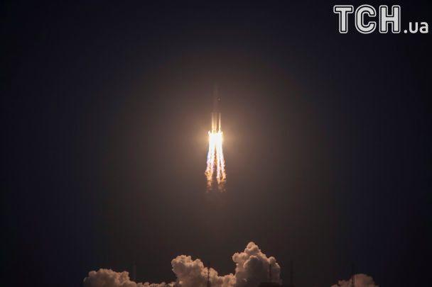 Китай провалив запуск ракети-носія нового покоління Long March-5: як це було