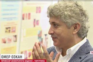 Украину посетил мировой мастер по пересадке лиц
