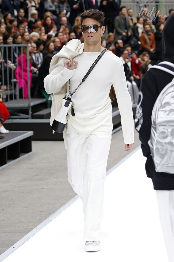 Коллекция Chanel прет-а-порте сезона осень-зима 2017-2018_23