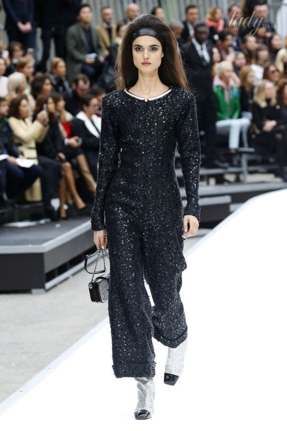 Коллекция Chanel прет-а-порте сезона осень-зима 2017-2018_48