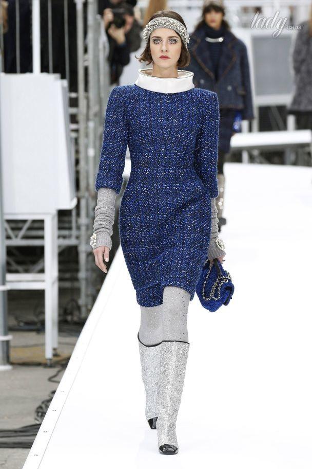 Колготки с люрексом и принты с космонавтами в коллекции Chanel осень-зима 2017-2018