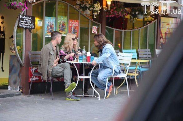 Ірина Білик з чоловіком у Києві