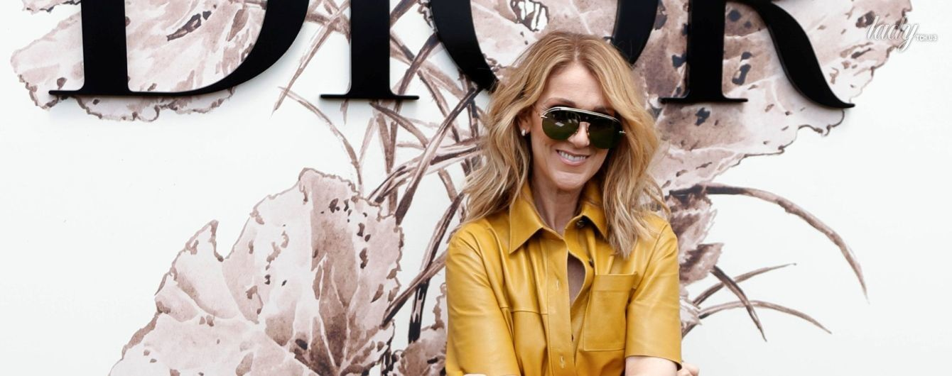 В горчичном платье и с сумочкой Dior: эффектный образ Селин Дион