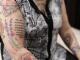 В Великобритании помешанная на Моуринью пенсионерка набила десятки татуировок со своим кумиром