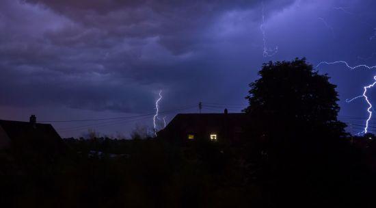 Синоптики оголосили про штормове попередження у трьох областях України