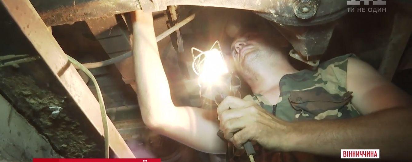 На Винниччине ветераны АТО организовали волонтерскую СТО для фронтовых машин