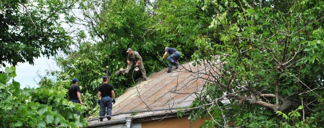 Последствия непогоды в Украине: часть Мариуполя осталась без света