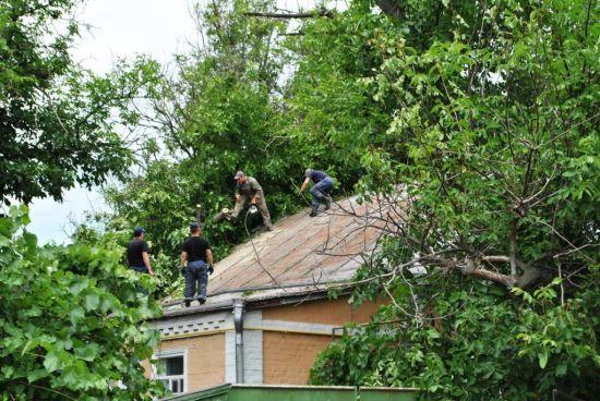 Наслідки негоди в Україні: частина Маріуполя залишилася без світла